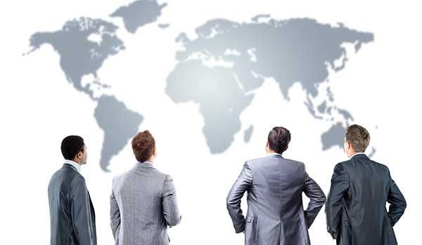 businessmen_world_map